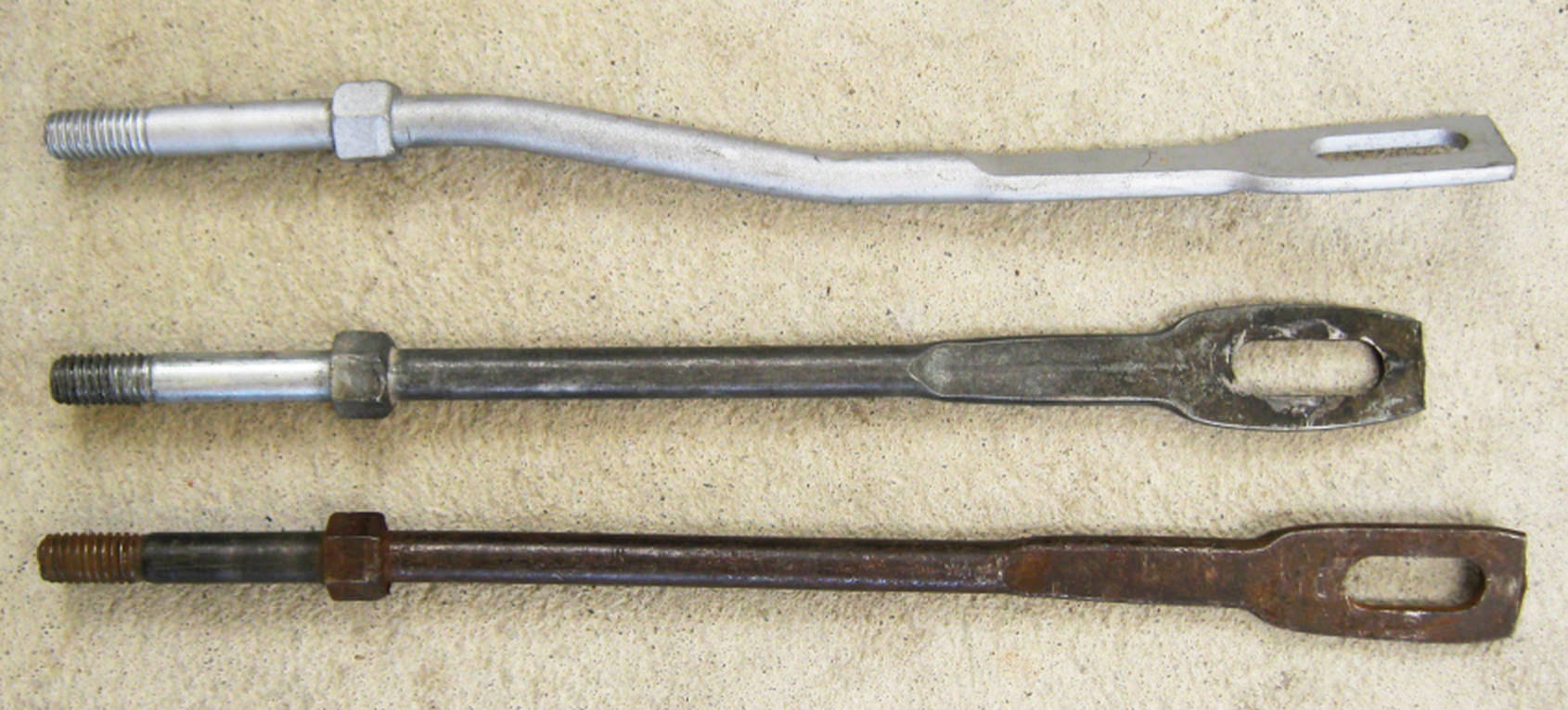 Saginaw and Muncie with SBC stabilizer rods