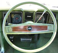 1969 Steering Wheel with Z23/Z87 wood-grain